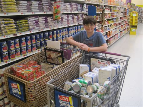 Local Food Pantries by Helping The Needy In A Big Way Herald Community Newspapers Www Liherald
