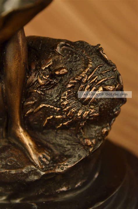 Sternzeichen 19 November by Bronze Skulptur Signiert Skorpion Dame Sternzeichen