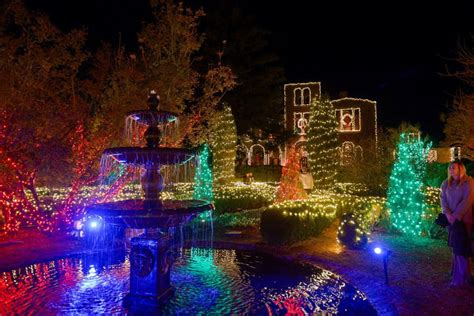 10 extravagant holiday light displays that even tim taylor