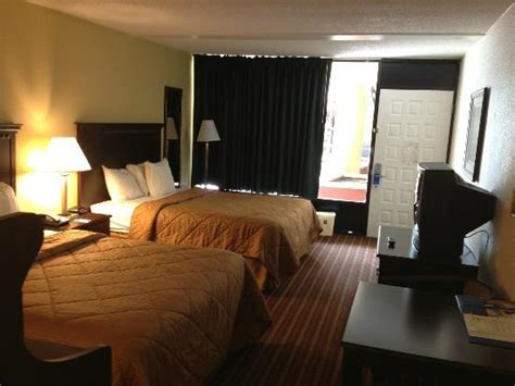 comfort inn suites at tropicana field two queen beds rooms picture of comfort inn suites at