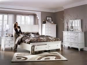 White King Bedroom Set 5 Pc Ashley Prentice White King Bedroom Set White King