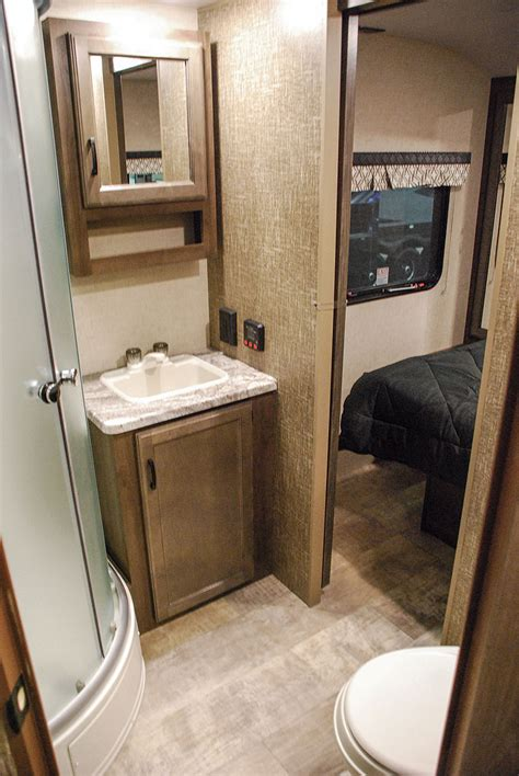 small cer with bathroom small travel trailer with bathroom 28 images small cer