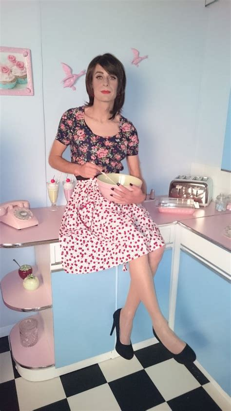 vintage crossdresser at home https flic kr p a5wstd 50s bake off retro housewife