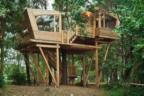 Baumhaus Bauen Ohne Baum baumhaus selbst bauen tipps zum wohnen in b 228 umen ohne
