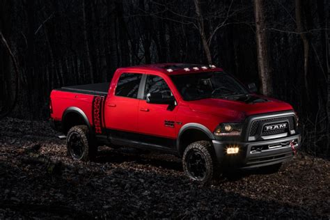 2018 dodge powerwagon dodge unveils 2017 ram power wagon ballerstatus
