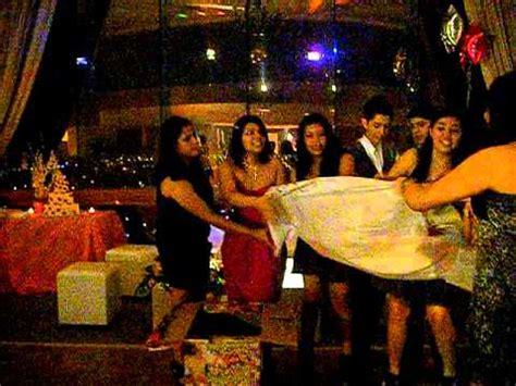 regalos sorpresa para quinceaeras regalo sorpresa de sus amigas quincea 241 era 4jun11 youtube
