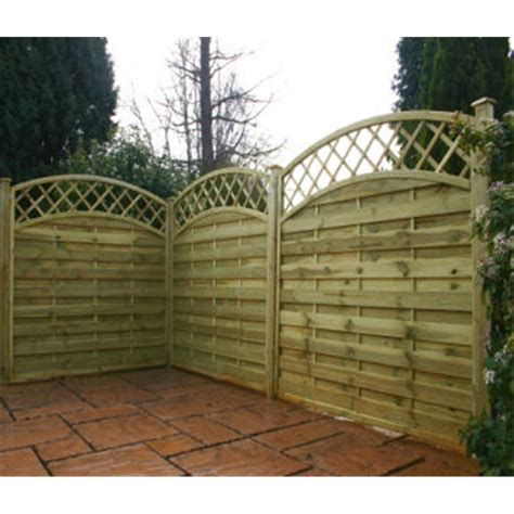 4ft Trellis Panels 4ft Pressure Treated Convex Horizontal Weave Trellis 1