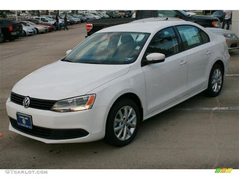volkswagen sedan white candy white 2011 volkswagen jetta se sedan exterior photo