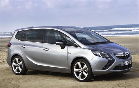 opel zafira 2015 opel launches 2015 zarifa tourer with engine