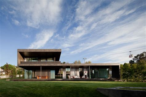 design milk houses luxurious modern family home with lots of outdoor living