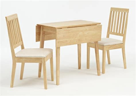 garage table and chairs