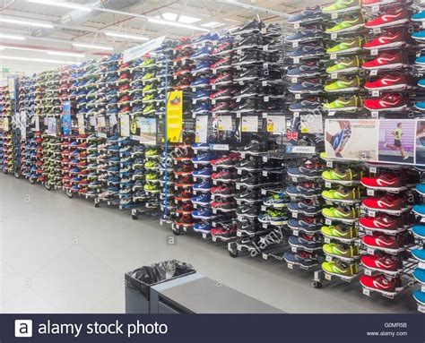 the athletic shoe shop kalenji branded running shoes in decathlon store quot kalenji