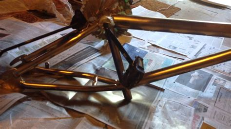 Sprei Bicycle No 1 Fata spray painting my bike gold