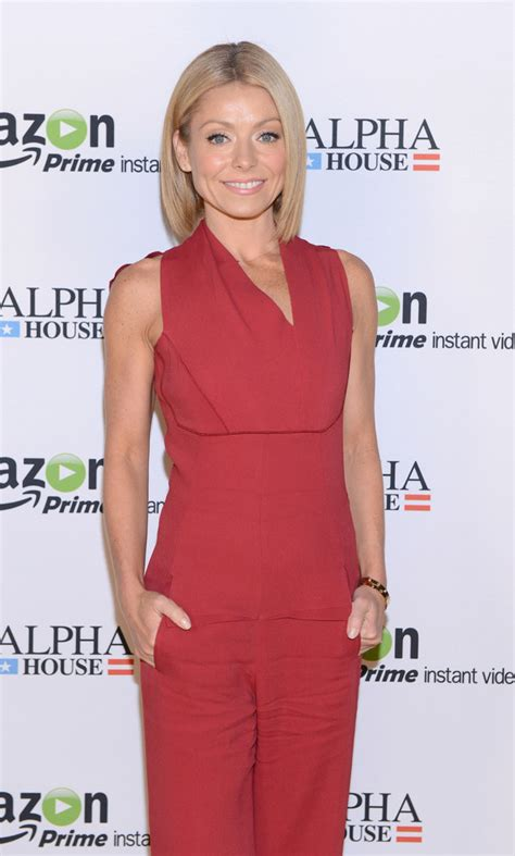 kelly ripa height and weight january 2014 kelly ripa age height and weight bra size body