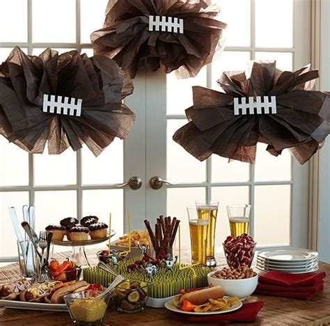 Football Decor by 20 Diy Football Decorations For A Tailgate Tablescape Tailgating Decoration And Homecoming