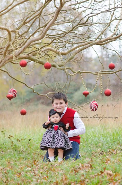 best 25 outdoor christmas photography ideas on pinterest