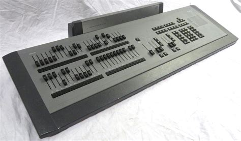 etc express lighting console electronic theatre controls etc 4110a1005 express 24 48