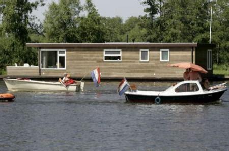 liggeld woonboot fok nl nieuws weekers komt eigenaren woonboot tegemoet