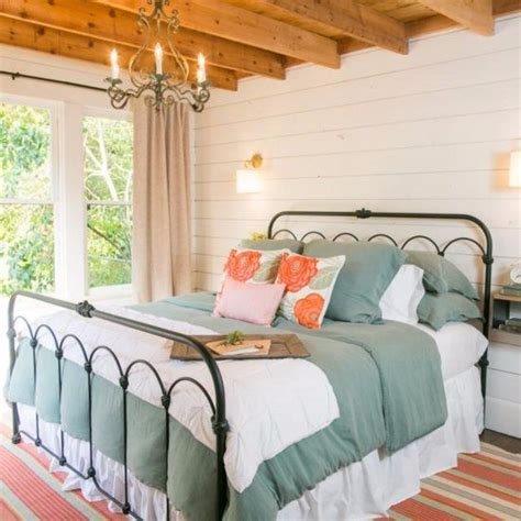 Joanna Gaines Bedroom Decorating Ideas by Best 25 Fixer Show Ideas On Magnolia