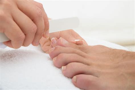 Mens Pedicure by 3 Benefits Of Going To The S Spa For A Pedicure New