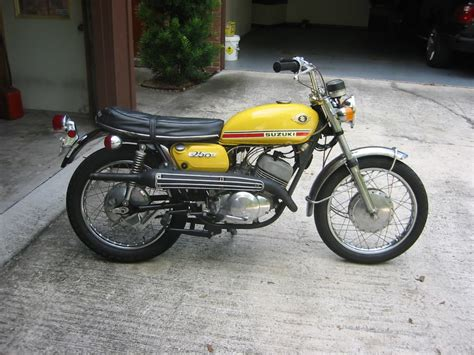Kawasaki Of Laredo by Plein Phare Sur Les Scramblers