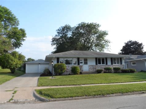 country kitchen marion ia new listing 1915 country club drive marion iowa 52302