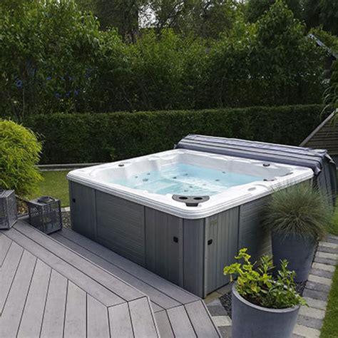 vasche idromassaggio da giardino vasca spa idromassaggio minipiscina naxos da 200x200x78 cm