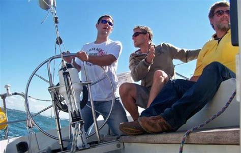 motorboot fahren frau motorboot fahren in rostock als geschenkidee mydays