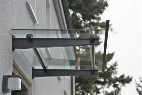 Jalousie 2 Meter Breit by Vordach Aus Lackiertem Stahl Und Glas