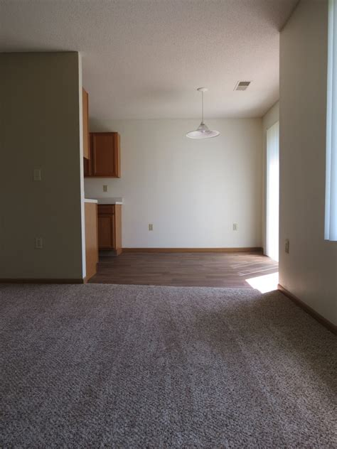 1 bedroom apartments in hudson wi brookstone townhomes rentals hudson wi apartments com
