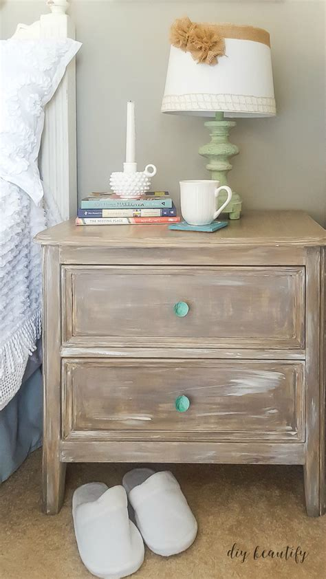 Top Coat For Painted Furniture by Top Coat Protection Options For Chalky Painted Furniture Diy Beautify