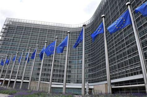 Sede Della Commissione Europea by La Ue Mette Sotto Osservazione L Italia Per Debito
