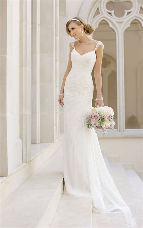 Brautkleid Einfach by Simple Wedding Dresses With Elegance Modwedding
