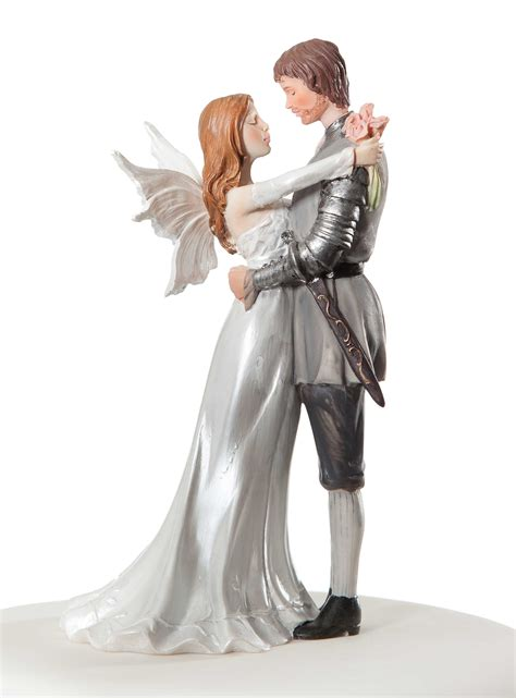 wedding cake topper with wedding cake topper
