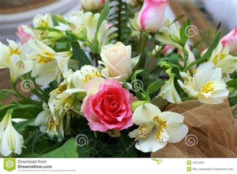 wedding flower images free wedding flowers royalty free stock images image 16515819