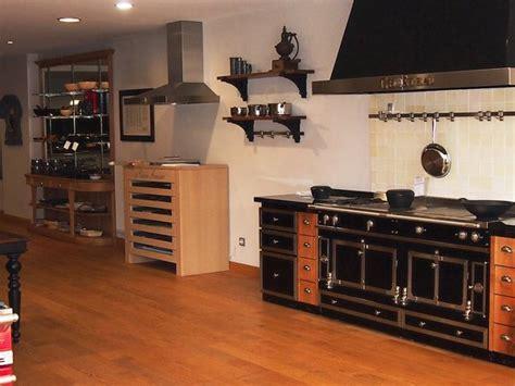 piano de cuisine la cornue apprendre dans une cuisine d exception galerie photos d