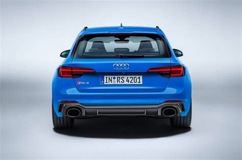New (e)state of mind: Audi pulls covers off new RS4 Avant by CAR Magazine