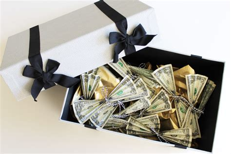 blogger gifts graduation gifts decorative cash box evite