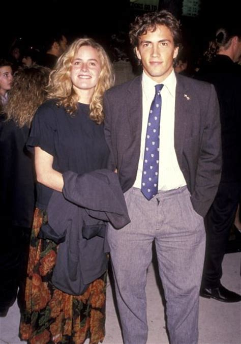 elisabeth shue brother death elisabeth shue and brother andrew shue at the premiere of