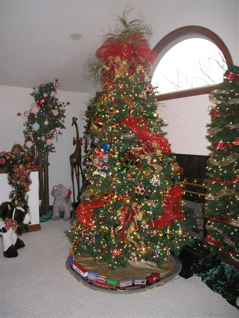 circus themed christmas tree christmas pinterest