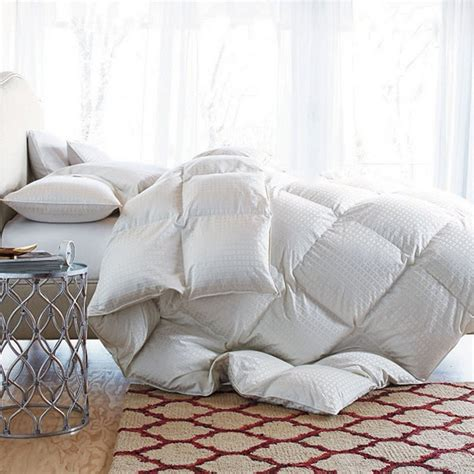 how to store down comforter how to pick a down comforter 28 images how to pick a