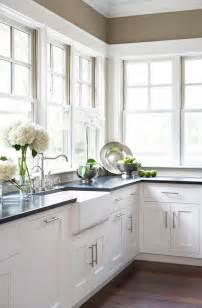 White Kitchen Farmhouse Sink Classic Home Home Bunch Interior Design Ideas