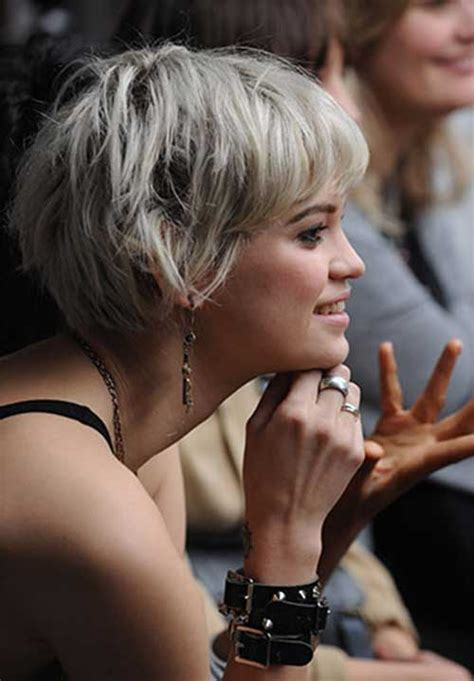 going from pixie to bob haircut 1000 images about pixie cuts on pinterest choppy pixie
