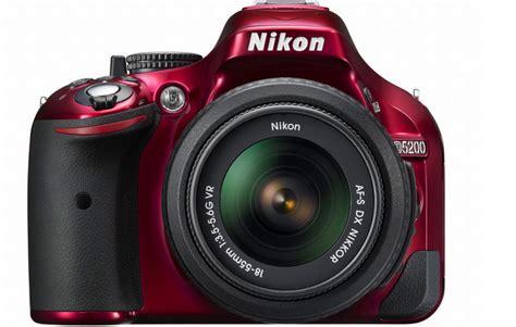 Lcd Lcd Nikon D5200 nikon d5200 packs 24mp cmos sensor swivel lcd and optional android ios integration