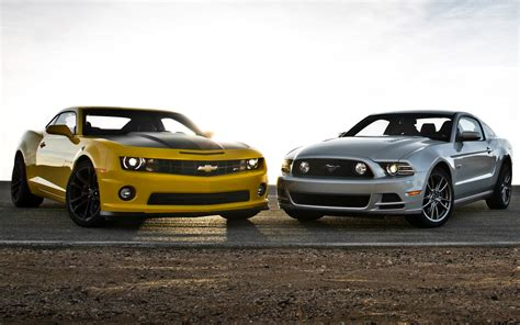 Mustang Gt Vs Camaro Ss by Chevrolet Camaro Ss 1le Vs Ford Mustang Gt Track Pack