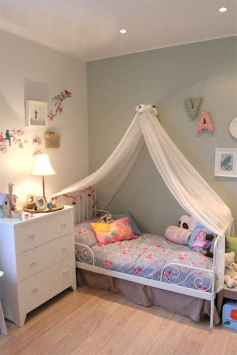 Nice And Gentle Bedroom For A Six Year Old Girl Kidsomania