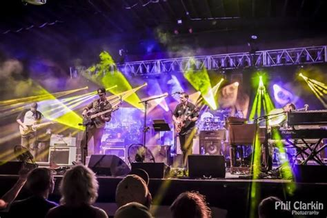 umphreys couch tour couch tour alert free umphreys mcgee crb webcasts