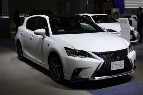toyota lexus 2014 is ct200h a real lexus or just a prius with lexus make