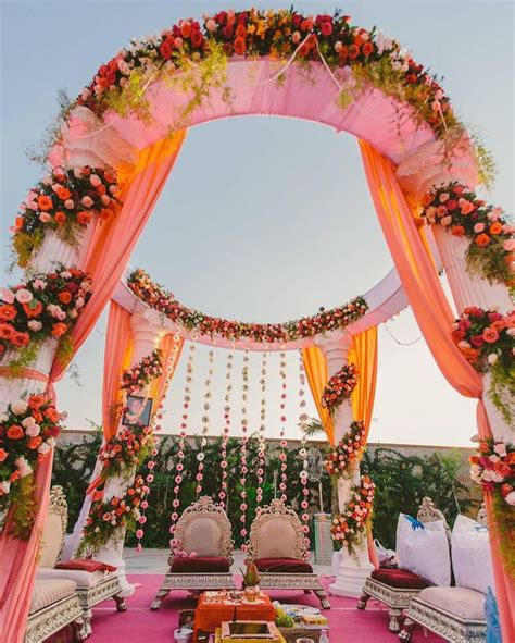 indian wedding flower decoration pictures 17 best images about mandap on traditional hanging flowers and wedding mandap