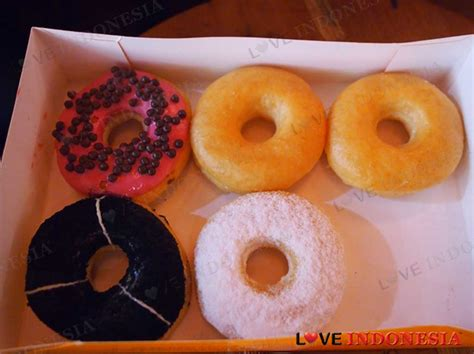 J Co Donuts And Coffee j co donuts coffee living world alam sutera